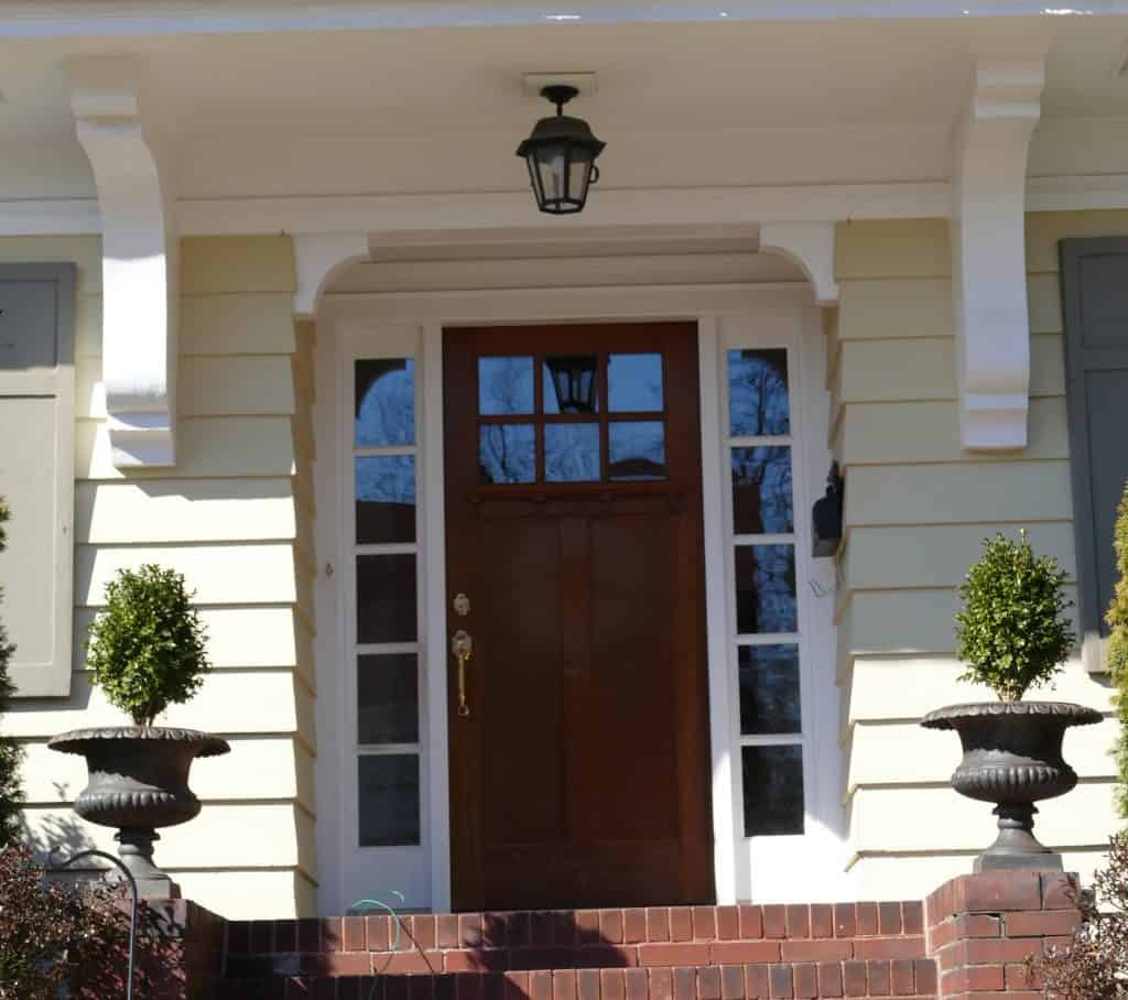 Entranceway of the house at 106 Edgemont Road showing sidelights that are a common feature of Oakcroft homes