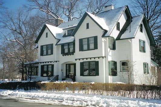 House at 25 Princeton Place, at the corner of The Parkside in Oakcroft. This became the childhood home of the Apollo 11 astronaut Buzz Aldrin. February 2008.