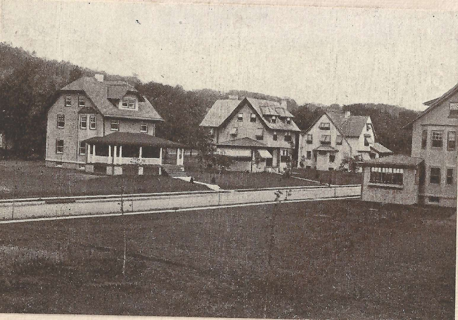 Houses at 114, 118, and 124 Edgemont Road, circa 1909