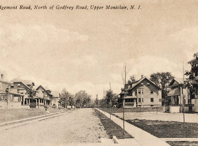 Postcard of Edgemont Road, north of Godfrey